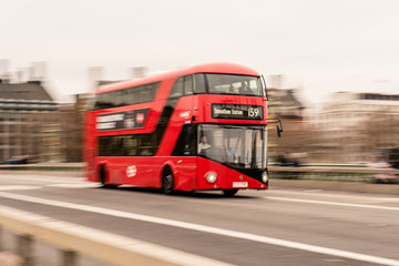 Fond de hotte en verre imprimé Londres bus rouge england bus