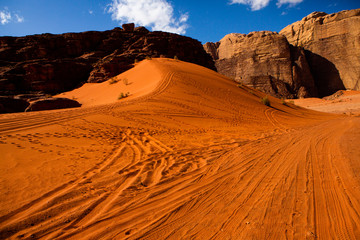 In de dag Baksteen Wadi Rum Desert in Jordan. On the Sunset. Panorama of beautiful sand pattern on the dune. Desert landscape in Jordan.