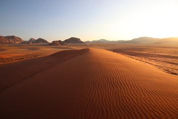 Fototapeten Violett rot desert