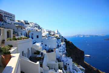 Poster Santorini View of the white houses of Thira, the capital of Santorini, the sea and the volcanic caldera