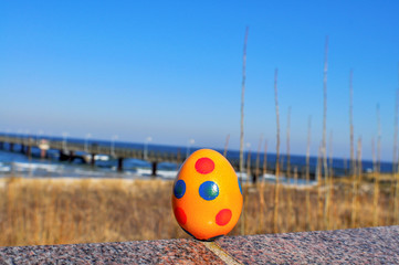 Ostereier auf der Mauer, Ostern in Göhren auf Rügen
