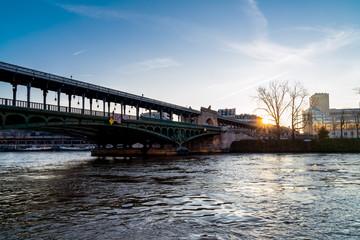 Sunrise over Bir-Hakeim bridge in winter - Paris, France