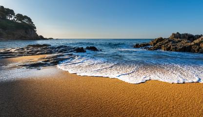 Fototapete - Spain, Costa Dorada coastline. Sunny tropical landscape.