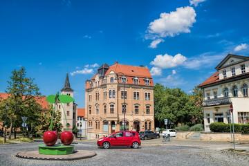 Fototapete - naumburg, deutschland - idyllisches stadtbild mit symbol für das traditionelle kirschfest