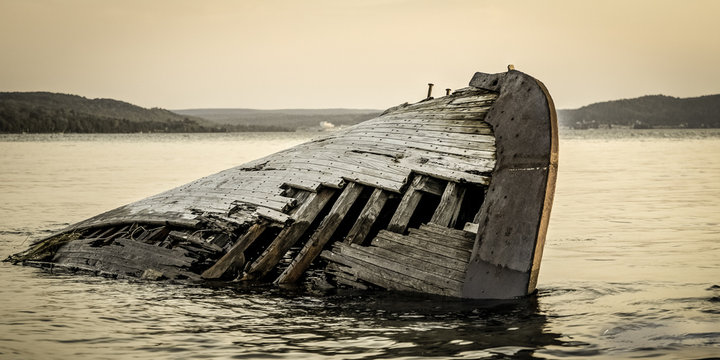 Great Lakes Shipwreck. Historic wooden boat shipwrecked on the coast of Lake Superior in the Pictured Rocks National Lakeshore in the Upper Peninsula of Michigan.