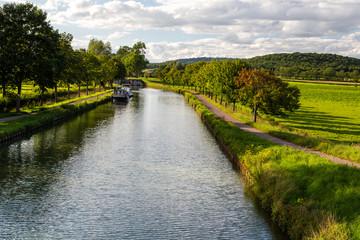 Canal de Bourgogne Fototapete