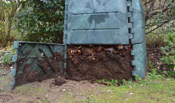 Terreau mûr dans composteur