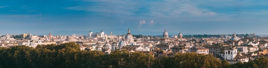 Rome, Italy. Cityscape Skyline With Pantheon, Altar Of The Fatherland And Other Famous Lanmarks In Old Historic Town Fotomurales