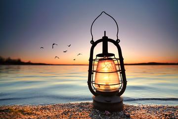Wall Mural - romantische Lampe am See
