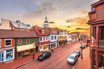 Wall Mural - Annapolis, Maryland, USA downtown view over Main Street with the State House