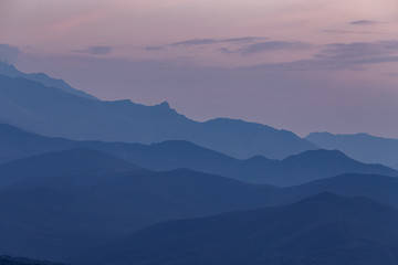 Foto auf AluDibond Lavendel Blue hour in the mountains