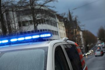 Blaulicht an einem Einsatzfahrzeug
