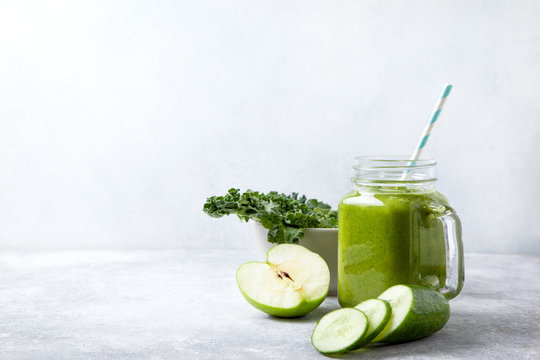 kale smoothie in a glass jar