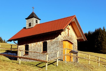 Kleine Kapelle in den Allgäuer Alpen