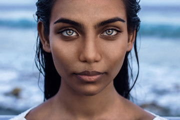 Beautiful indian woman with blue eyes  Fotomurales