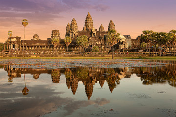 Photo sur Toile Lieu de culte famous temple in cambodia asia