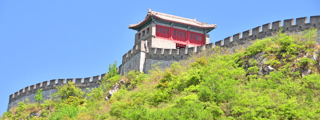 Fotobehang Chinese Muur Great Wall Watchtower on top of Mountain