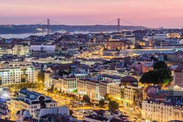 Photo sur Toile Europe Centrale Skyline of evening Lisbon from Miradouro da Graca viewpoint, Portugal