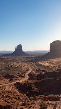 Touristen Reise duch das Monument Valley USA