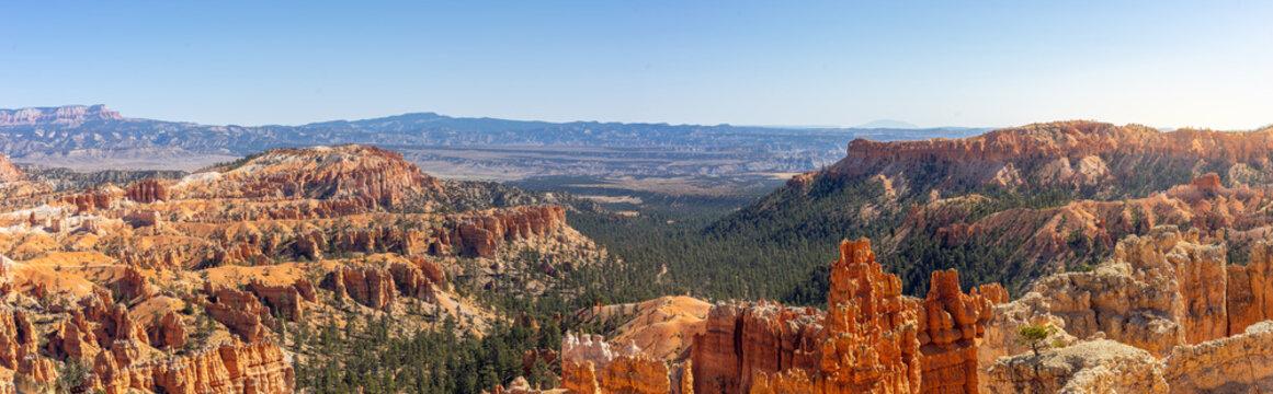 Weites Panorama über den Bryce Canyon Nationalpark im südwesten der USA
