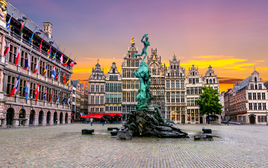 Zelfklevend Fotobehang Antwerpen Brabo fountain on Market square, center of Antwerp, Belgium
