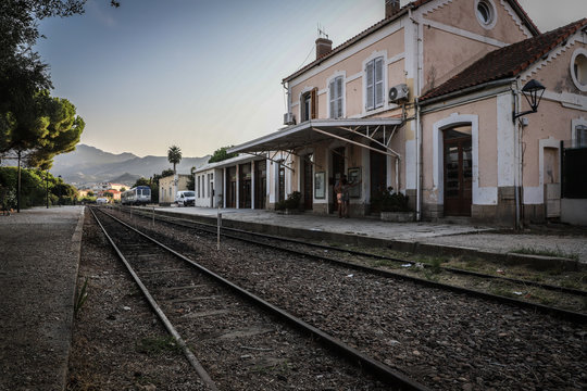 TERMINUS GARE TRAINS CORSE FRANCE