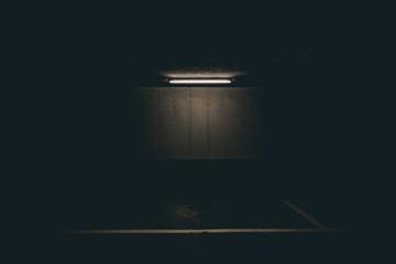 In de dag UFO basement
