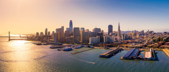 Fototapete - View of San Francisco Skyline from the Bay