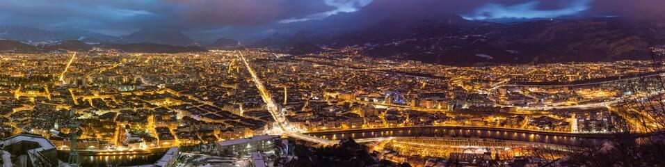 Foto auf AluDibond Schokobraun Grenoble de nuit