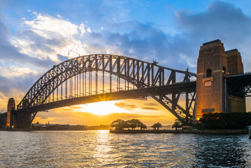 Fototapeten Sydney sydney harbour bridge at dusk in sydney, australia