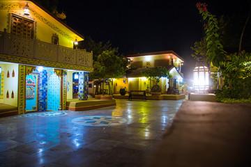 night street india. indian village Papier Peint