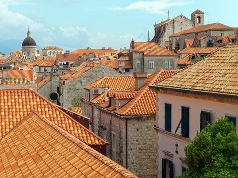 View from the medieval city walls of the tile rooftops, Old City, Dubrovnik, Croatiai