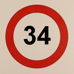 Grafische Darstellung des Straßenverkehrszeichen Maximalgeschwindigkeit 34 km/h