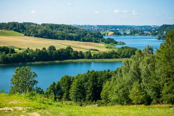 Kaszuby wzgórza jezioro las łąka