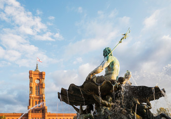 Foto op Plexiglas Historisch mon. Germany, Berlin, Neptune Fountain against Rotes Rathaus building