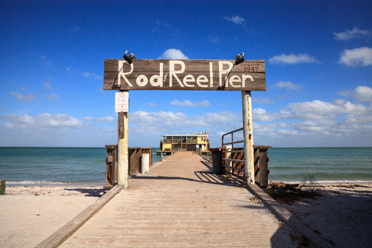Rod and Reel Pier boardwalk on the island of Anna Maria