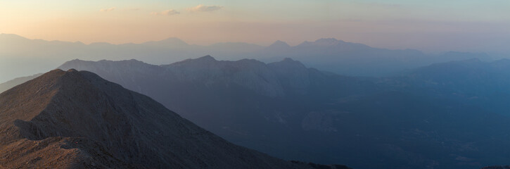 Big panorama of the mountains at sunset, twilight Fototapete