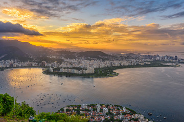 Fototapete - View of Flamengo beach, Centro and Guanabara bay in Rio de Janeiro, Brazil. Skyline of Rio de Janeiro. Sunset cityscape of Rio de Janeiro