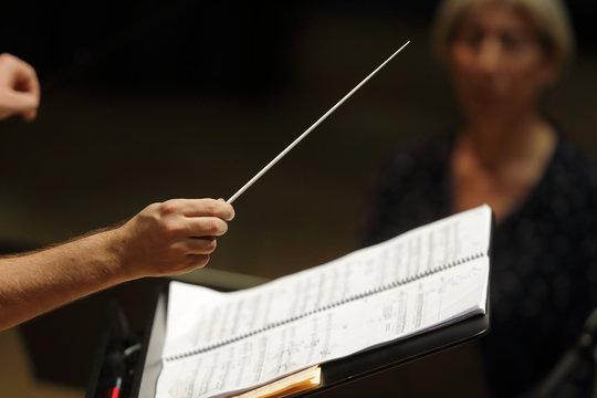 Mains de chef d'orchestre