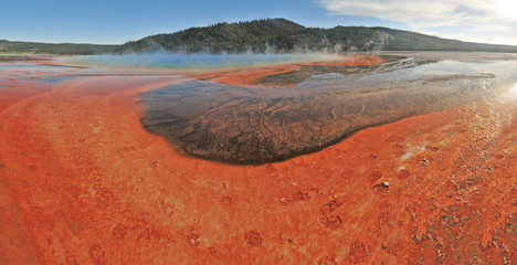 Papiers peints Brique Hot lake in the Yellowstone national park