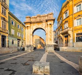 Fototapete - Triumphal Arch of Sergius in Pula. Croatia.