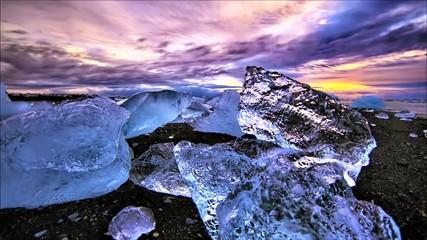 Photo sur Aluminium Rose clair / pale sunset in mountains