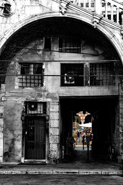 Verona-scorcio da piazza Mercato Vecchio