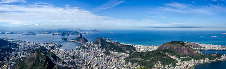 Panorama View of the Rio de Janeiro City, including the Sugar Loaf, seen from the Corcovado Mountain. Fototapete