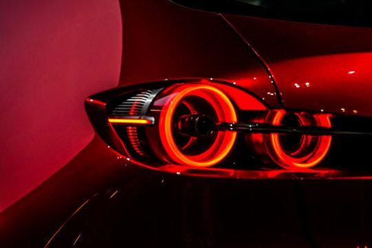 かっこいい自動車のテールランプのイメージ
