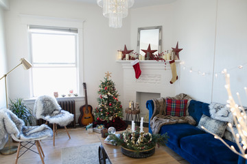 Apartment living room decorated for Christmas Fotobehang