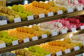 Fotobehang Macarons macarons in shop window, french biscuit -