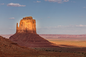 Fototapeten Fantasie-Landschaft Monument Valley on the border between Arizona and Utah in United States