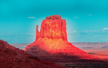 Foto auf Leinwand Fantasie-Landschaft Monument Valley edit in red and turquoise