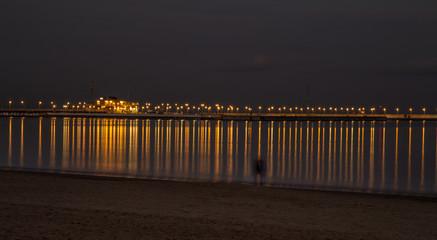 Molo w Sopocie w zimowy wieczór